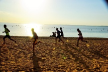 Strandlauf in Abendsonne