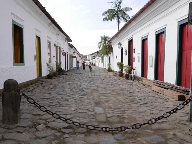 Die Pflastersteine, kamen damals angeblich aus Portugal.